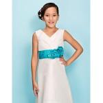 Knee-length Taffeta Junior Bridesmaid Dress - Ivory Sheath/Column / A-line V-neck Junior Bridesmaid Dresses