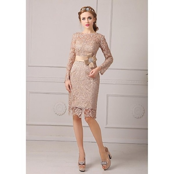 Sheath/Column Petite Mother of the Bride Dress - Champagne Knee-length Lace Mother Of The Bride Dresses