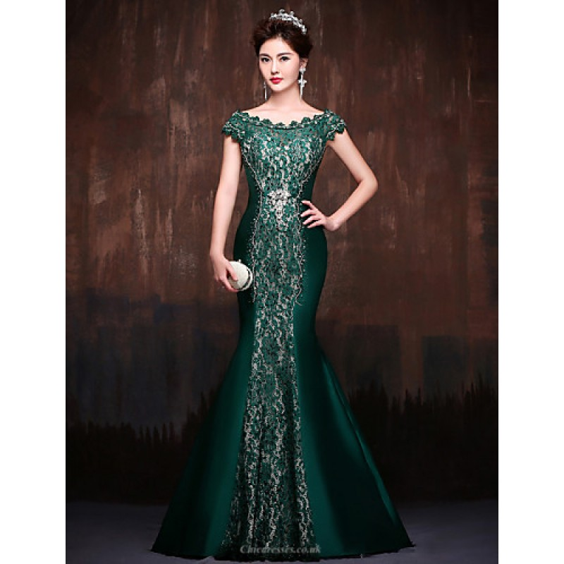 888babdb5c59 Formal Evening Dress - Dark Green Petite Trumpet/Mermaid Off-the-shoulder  Sweep