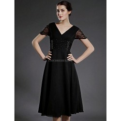 A-line Plus Sizes / Petite Mother of the Bride Dress - Black Tea-length Short Sleeve Chiffon / Tulle