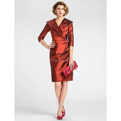 Sheath/Column Plus Sizes / Petite Mother of the Bride Dress - Burgundy Knee-length Half Sleeve Taffeta