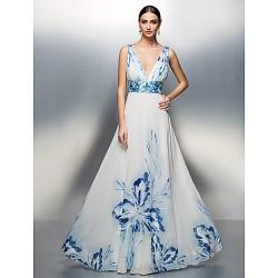 Formal Evening / Prom / Military Ball Dress - Print Plus Sizes / Petite A-line / Princess V-neck Floor-length Chiffon