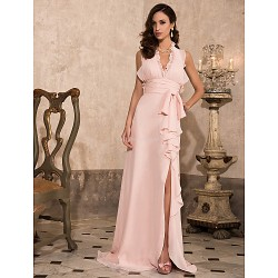 Formal Evening / Prom / Military Ball Dress - Pearl Pink Plus Sizes / Petite Sheath/Column Halter / V-neck Sweep/Brush Train Chiffon