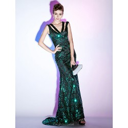 Formal Evening / Military Ball Dress - Dark Green Plus Sizes / Petite Trumpet/Mermaid / Sheath/Column V-neck Sweep/Brush Train Sequined