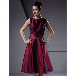 Knee-length Taffeta Bridesmaid Dress - Burgundy Plus Sizes / Petite A-line / Princess Bateau