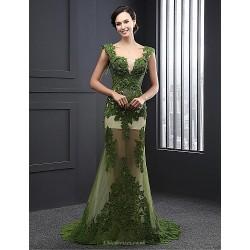 Formal Evening Dress - Dark Green A-line V-neck Sweep/Brush Train Lace