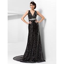 Formal Evening Dress - Black Plus Sizes / Petite Sheath/Column V-neck Court Train Sequined