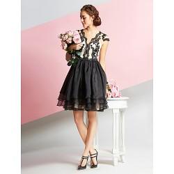 Cocktail Party Dress White Black A Line V Neck Knee Length Lace Organza
