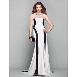 Formal Evening Dress - Multi-color Plus Sizes / Petite A-line Strapless Court Train Jersey