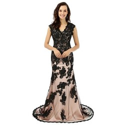 Formal Evening Dress - Black Trumpet/Mermaid V-neck Court Train Lace