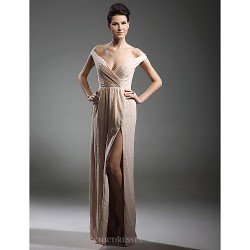 Formal Evening / Military Ball Dress - Champagne Plus Sizes / Petite Sheath/Column V-neck / Off-the-shoulder Floor-length Chiffon