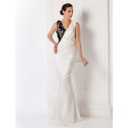 Formal Evening / Prom / Military Ball Dress - Ivory Plus Sizes / Petite Trumpet/Mermaid V-neck Sweep/Brush Train Stretch Satin
