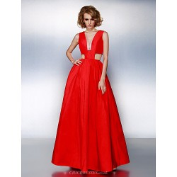 Prom / Formal Evening Dress - Ruby Plus Sizes / Petite A-line V-neck Floor-length Taffeta