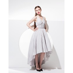Homecoming Cocktail Party / Prom Dress - Ball Gown V-neck Asymmetrical Taffeta