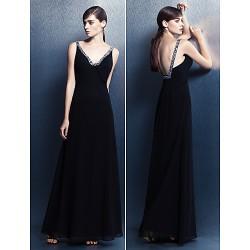Formal Evening Dress - Black Plus Sizes / Petite Sheath/Column V-neck Floor-length Georgette