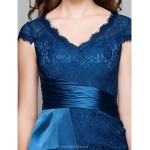 TS Couture Cocktail Party / Holiday / Prom Dress - Ink Blue Plus Sizes / Petite Sheath/Column V-neck Short/Mini Lace Special Occasion Dresses