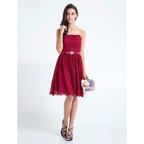 Knee-length Lace Bridesmaid Dress - Burgundy Plus Sizes / Petite A-line Strapless Special Occasion Dresses