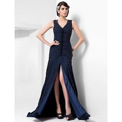 Formal Evening Dress - Dark Navy Plus Sizes / Petite Sheath/Column V-neck Court Train Chiffon