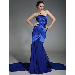 Military Ball / Formal Evening Dress - Royal Blue Plus Sizes / Petite Trumpet/Mermaid Strapless Court Train Chiffon / Stretch Satin