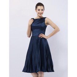 Cocktail Party / Wedding Party Dress - Dark Navy Plus Sizes / Petite A-line / Princess Bateau Knee-length Stretch Satin