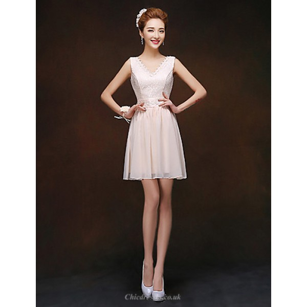 Short/Mini Bridesmaid Dress - Champagne Sheath/Column V-neck Special Occasion Dresses