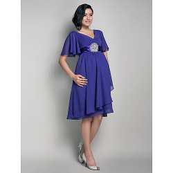 Knee-length Chiffon Bridesmaid Dress - Regency Maternity A-line / Princess V-neck