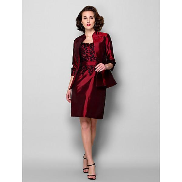 Sheath/Column Plus Sizes / Petite Mother of the Bride Dress - Burgundy Knee-length 3/4 Length Sleeve Taffeta Mother Of The Bride Dresses