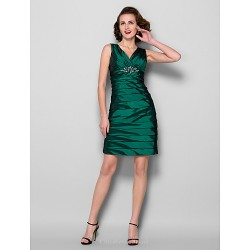 Sheath/Column Plus Sizes / Petite Mother of the Bride Dress - Dark Green Knee-length Sleeveless Taffeta